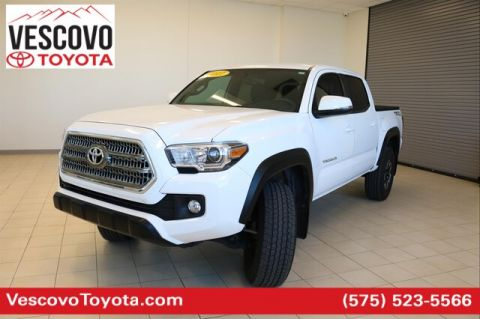 Pre-Owned 2017 Toyota Tacoma TRD Off Road